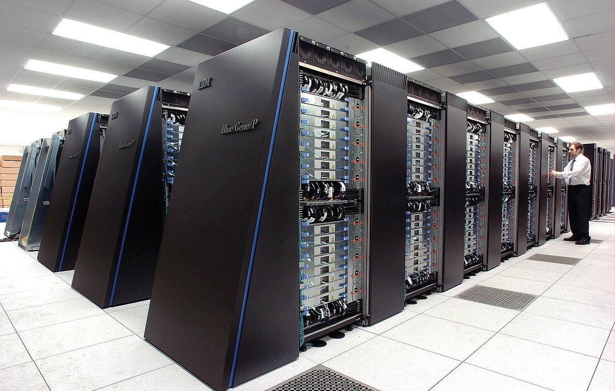 The Blue Gene/P supercomputer at Argonne National Lab is a typical example of HPC Hardware.